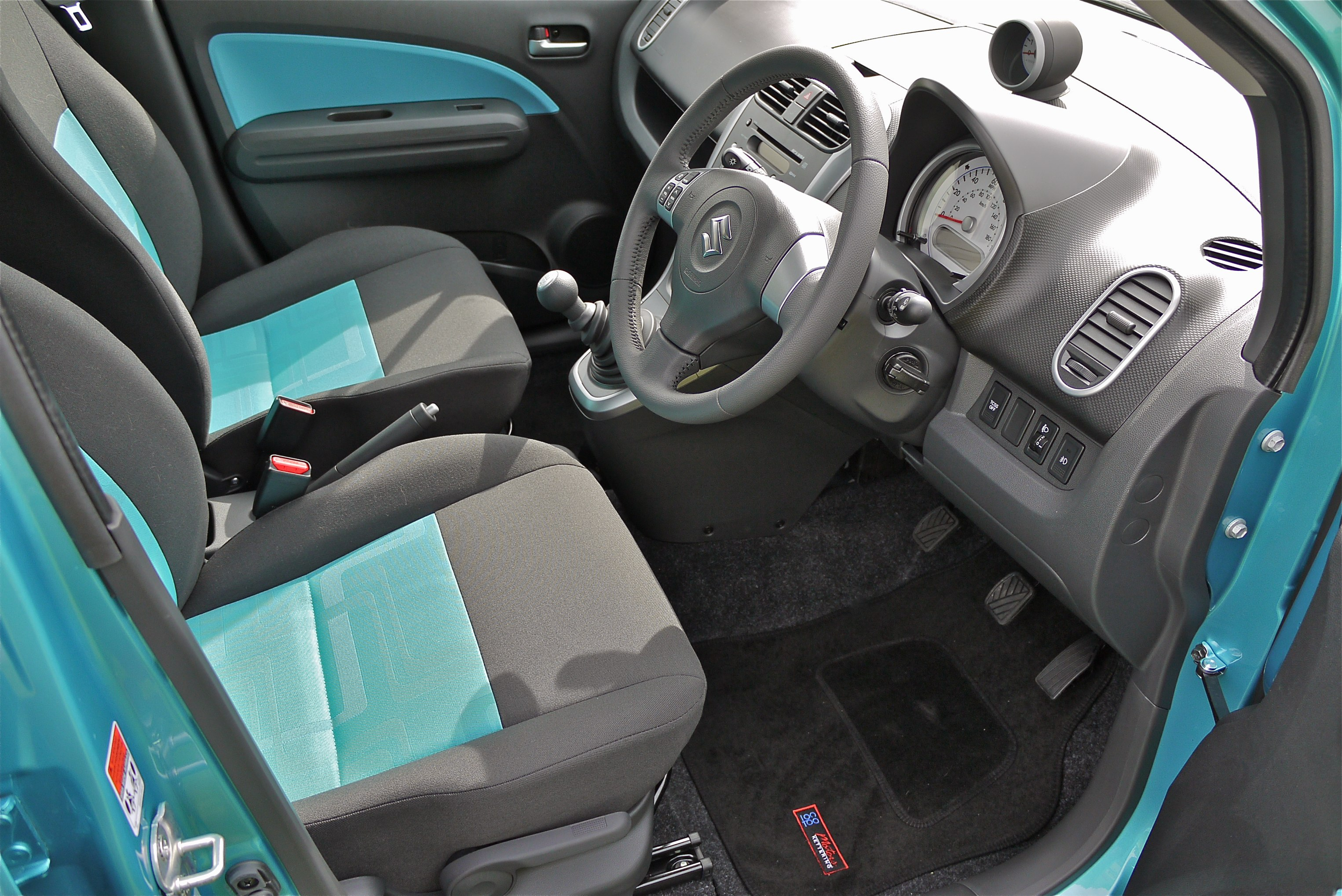 2012 Suzuki Splash Elegant Interior