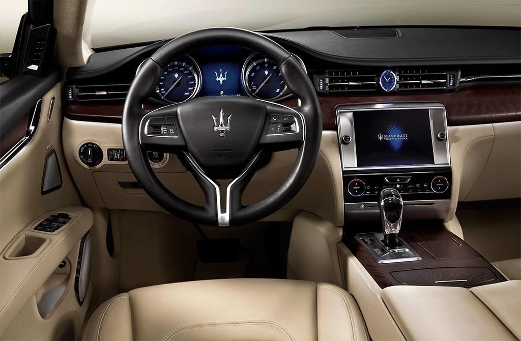 2013 Maserati Quattroporte Dashboard