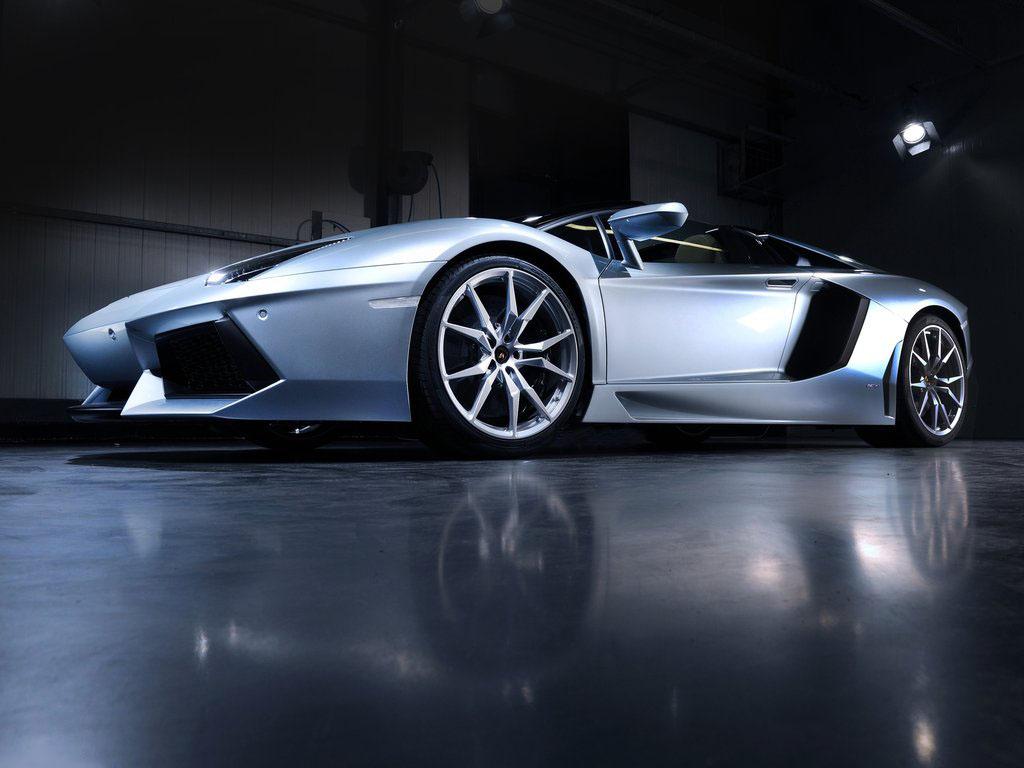 2014 Lamborghini Aventador LP700-4 Roadster Exterior
