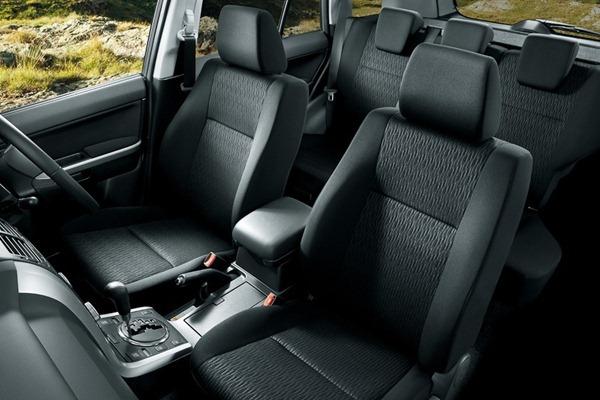 Elegant Interior 2013 Suzuki Grand Vitara