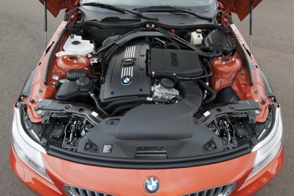 2014 BMW Z4 Roadster Engine View