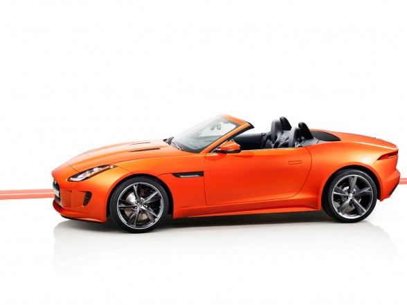 2013 Jaguar F-Type Firesand Body