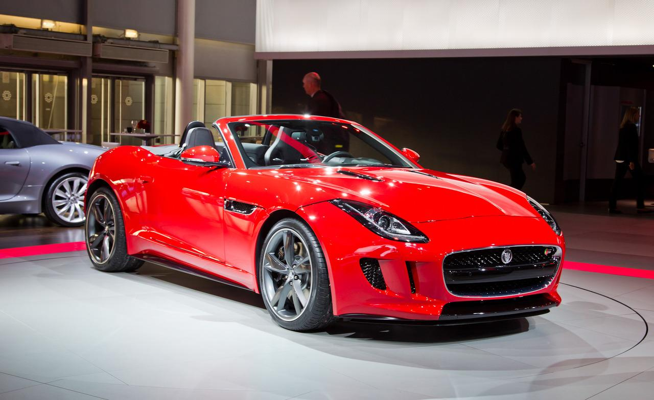 2013 Jaguar F-Type Roadster Front Angle