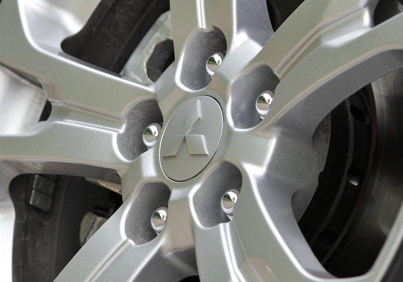 2014 Mitsubishi Outlander Wheels