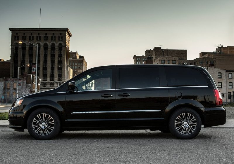 Chrysler Town & Country S Body