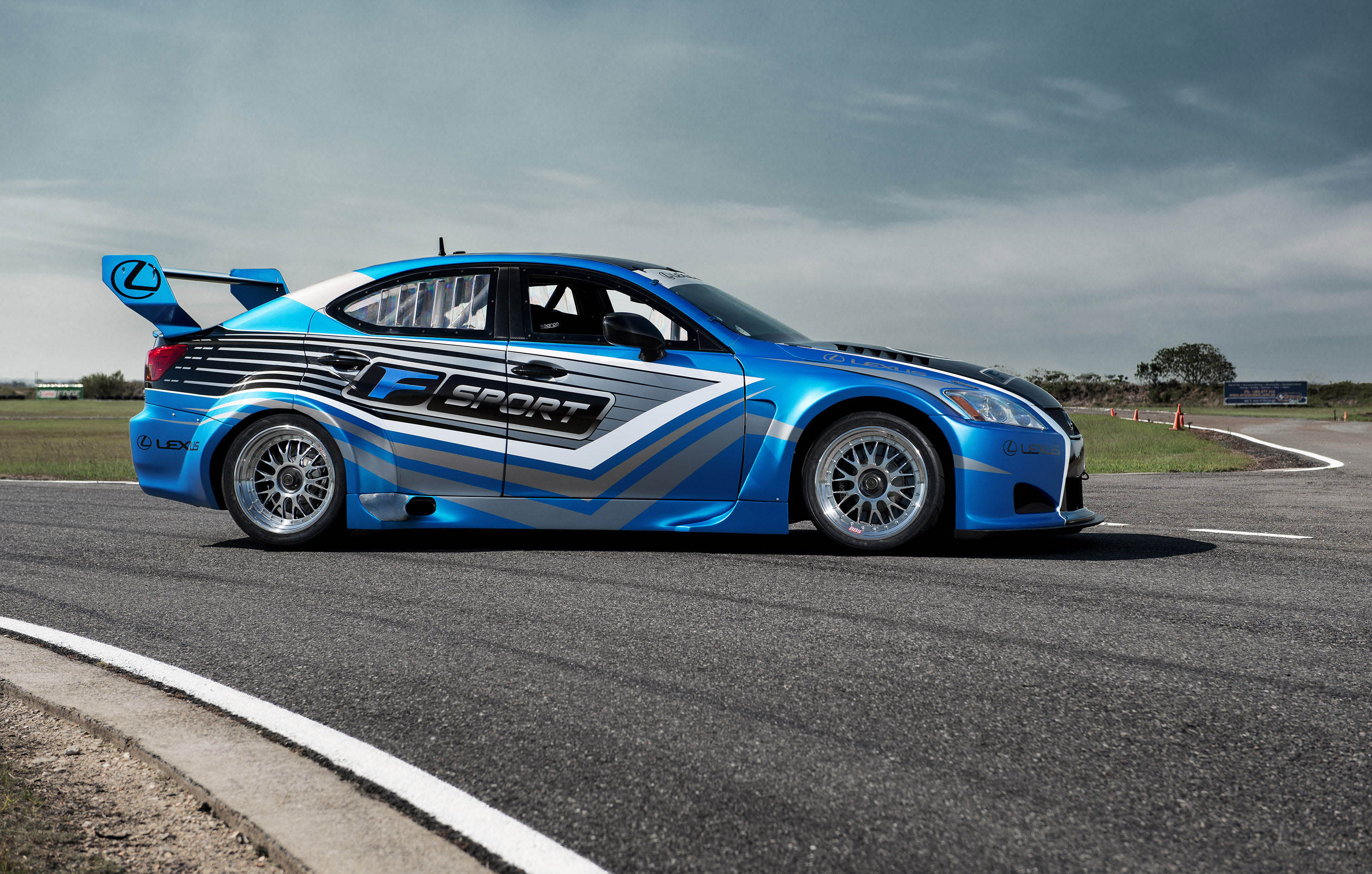 Lexus IS-F Race Cars Elegant Body