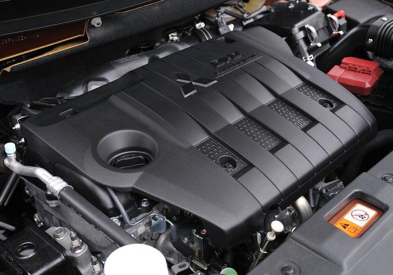 Mitsubishi Outlander Engine