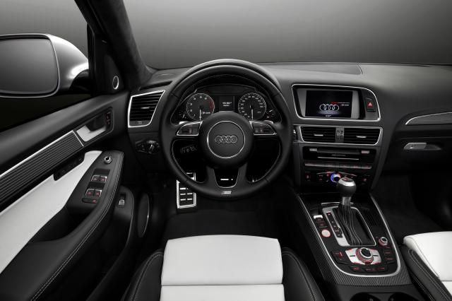 2013 Audi SQ5 TFSI Interior View