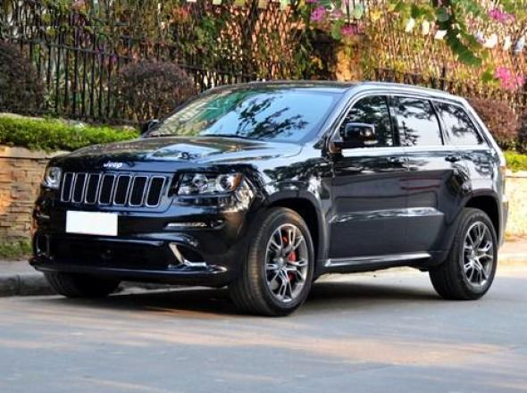 2013 Jeep Grand Cherokee SRT8 Hyun Black Edition Front View