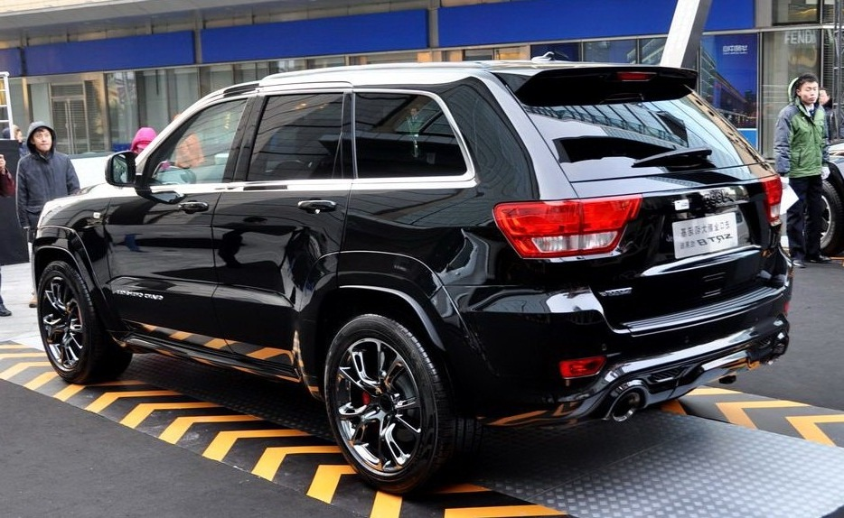 Is the New Jeep Grand Cherokee the best looking 2 Row SUV  GMC