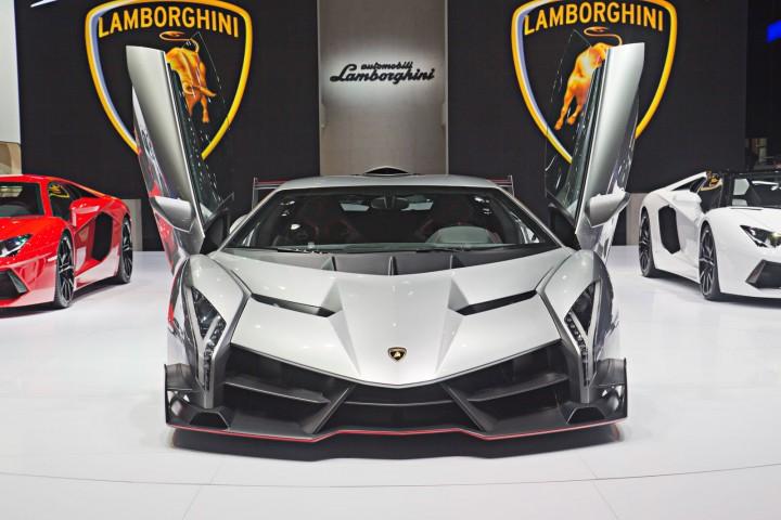2013 Lamborghini Veneno Front View