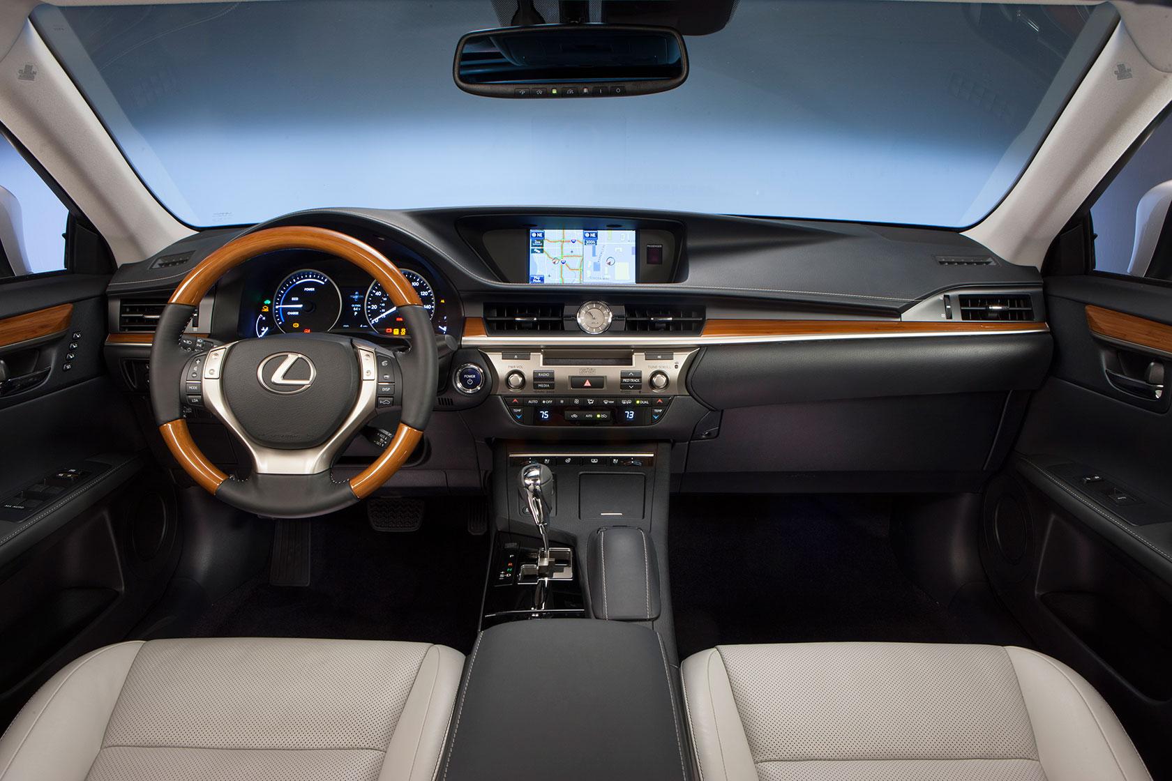 2013 Lexus ES Hybrid Dashboard