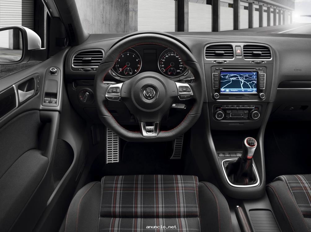 2013 Volkswagen Golf 2.0 TDI Interior View