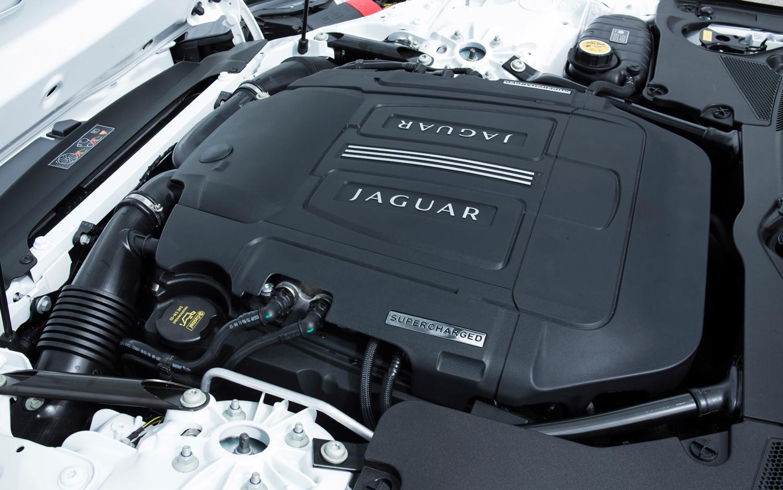 2014 Jaguar F-Type engine view