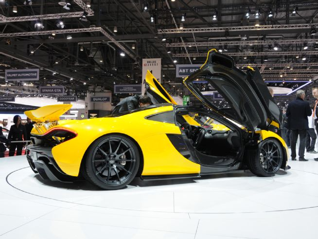 2014 McLaren P1 Side Open Doors View