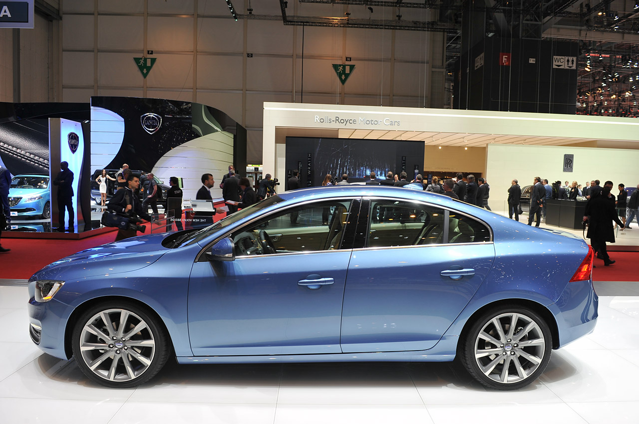 2014 Volvo S60 Side View