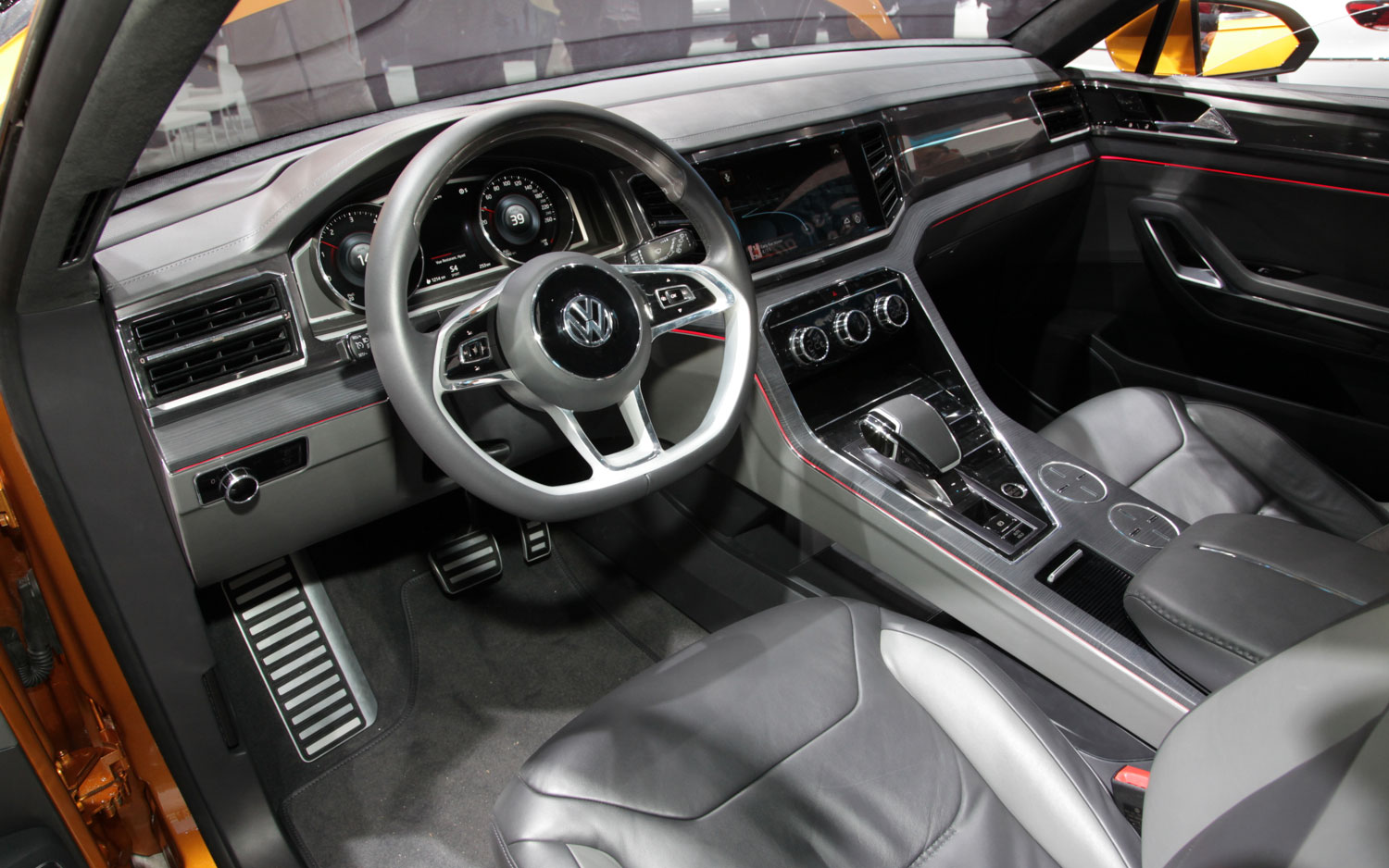 2013 Volkswagen CrossBlue Coupe Interior Dashboard