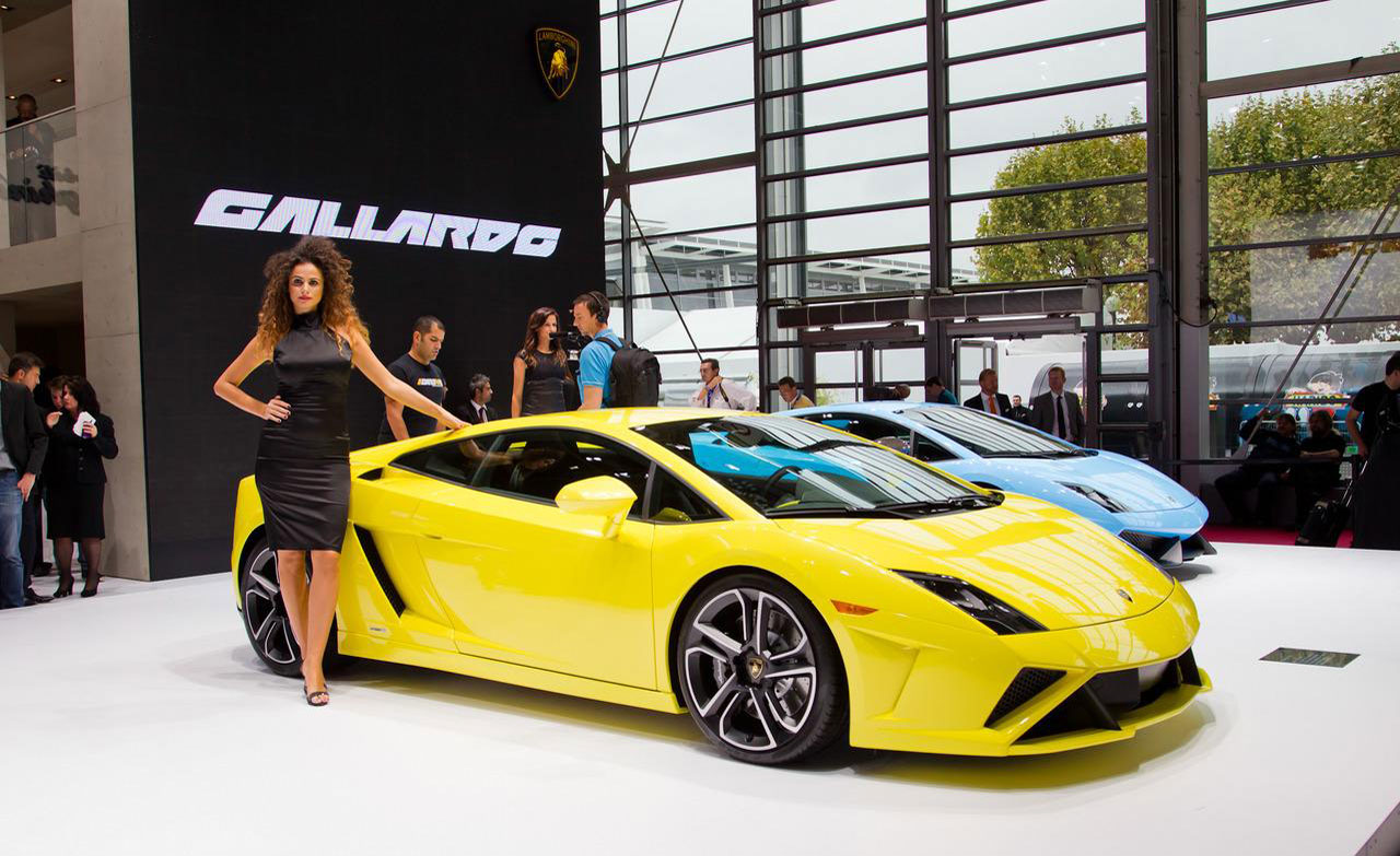 2013_lamborghini_gallardo_exterior_right